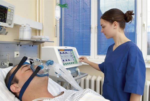 bình oxy hỗ trợ điều trị bênh nhân tắc nghễn phổi mãn tính